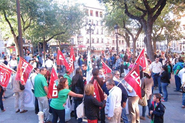 Manifestación De Docentes Y Sindicatos En Toledo