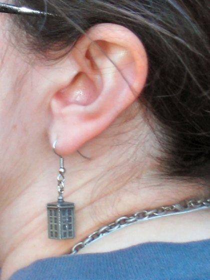 Expertos recomiendan revisiones de oído cada 2 años a partir de los 55 para detectar posibles pérdidas de audición