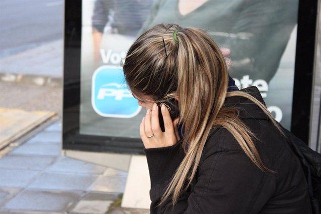 USO DEL TELEFONO MOVIL