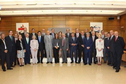 Mato reúne a médicos, investigadores, economistas y humanistas en el Consejo Asesor de Sanidad