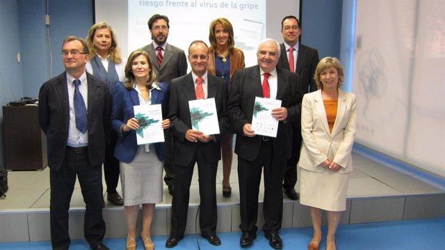 Foto De Familia De Los Responsables De Este Nuevo Documento Contra La Gripe