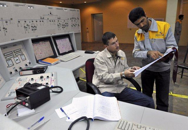 Ingenieros Rusos Asesoran A Operadores Iraníes En La Central Nuclear De Busher