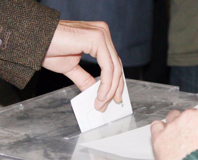 VOTO , VOTACIONES , URNA