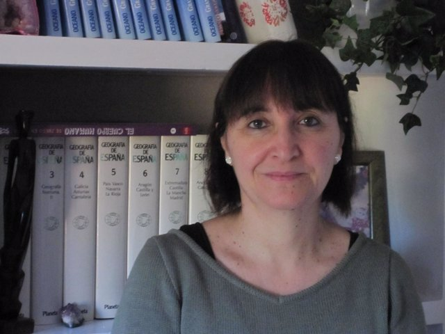 La Profesora De La UV, María José Estrela