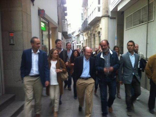 Rubalcaba paseando por Viveiro
