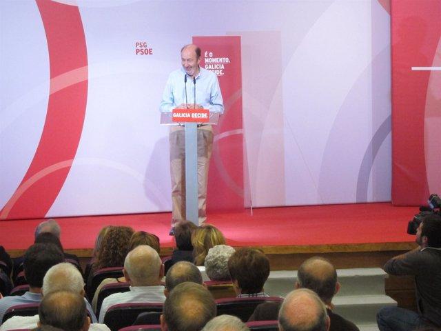Alfredo Pérez Rubalcaba en un mitin en Ferrol