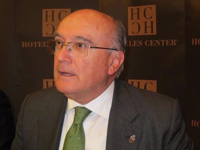 Carlos Carnicer