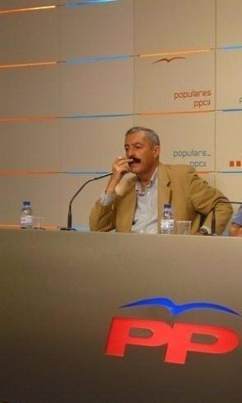 El Diputado Del PP Vicente Ferrer