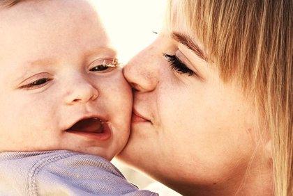 La depresión materna afecta el desarrollo del lenguaje en los bebés