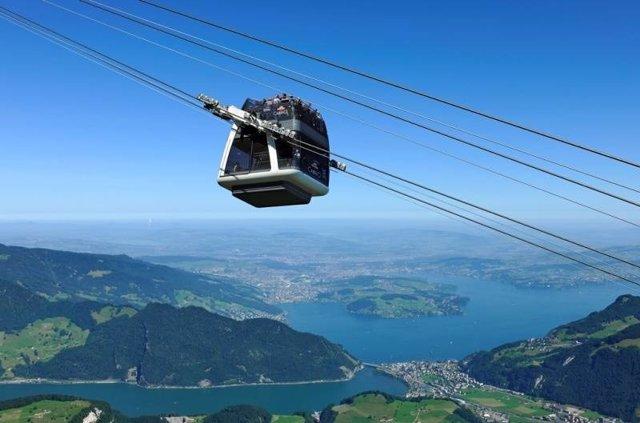 Teleférico descapotable en Suiza