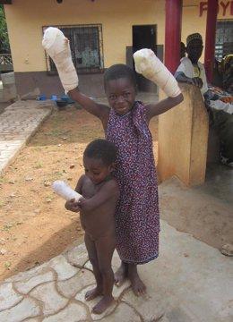 Dos Menores Atendidos En El Togo