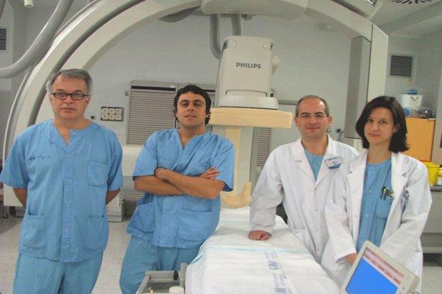Especialistas del Hospital Clínico