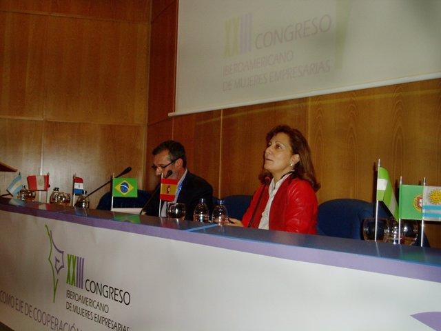 La presidenta de la FAPE, Elsa González.