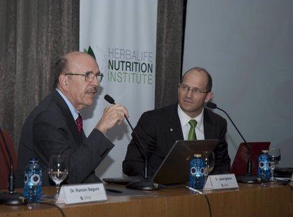 Premio Nobel de Medicina recomienda comer pescado, frutos secos y verduras para la fabricación natural del óxido nítrico