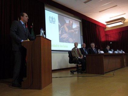 """Carrón dice que el Gobierno no renuncia a su """"responsabilidad"""" para construir la nueva Facultad de Medicina"""