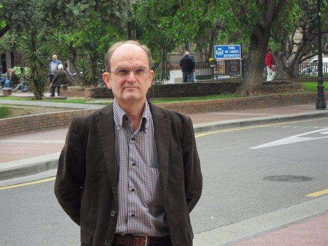 Julián Lóriz.