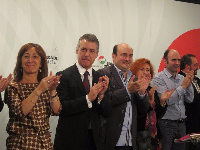 Iñigo Urkullu con miembros del EBB