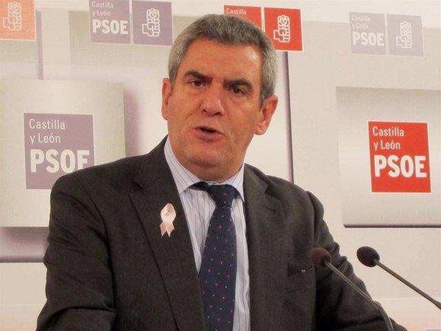 Julio Villarrubia, secretario del PSCL