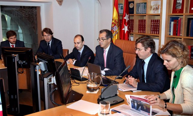 Enrique Ossorio con inversores