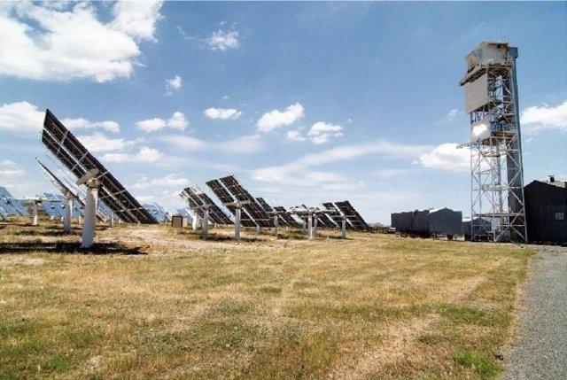 Planta solar que extrae el hidrógeno del agua