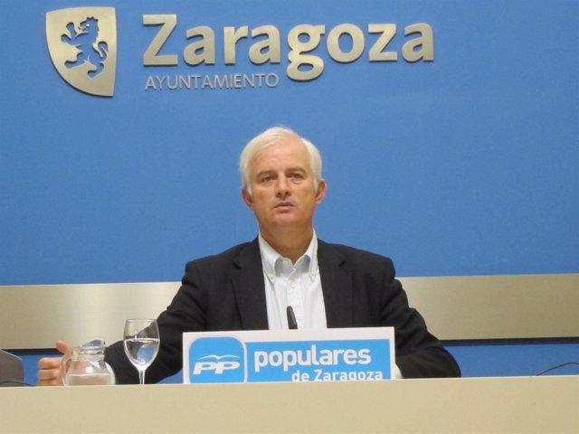 El portavoz del PP en el Ayuntamiento de Zaragoza Eloy Suárez