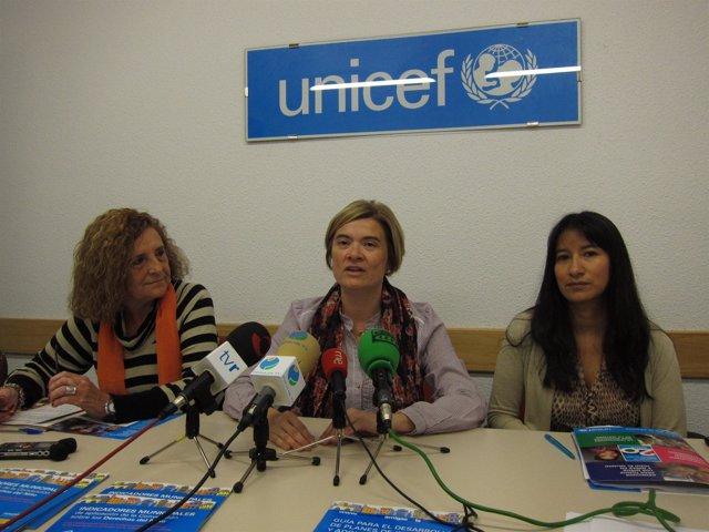 Corres y las responsables de Unicef, en la rueda de prensa