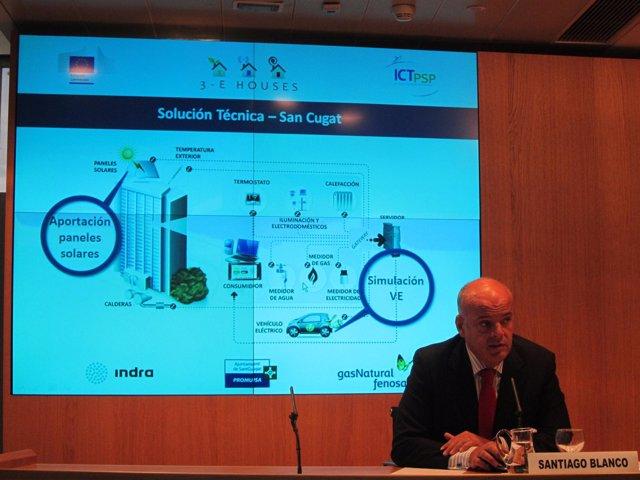 Santiago Blanco durante la presentación de los resultados del 3e-houses