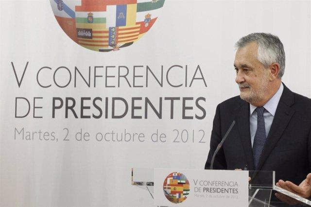 Griñán, en rueda de prensa en la Conferencia de Presidentes