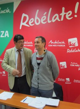 Diego Valderas y José Antonio Castro, hoy en rueda de prensa