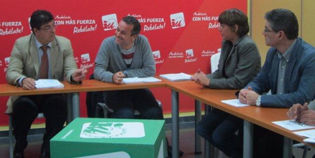 Valderas y Castro, en la reunión previa a la rueda de prensa