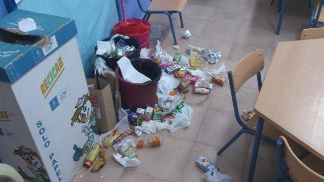 Suciedad en los colegios afectados por la huelga de limpieza