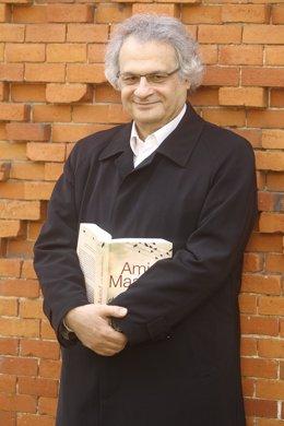El escritor libanés Amin Maalou