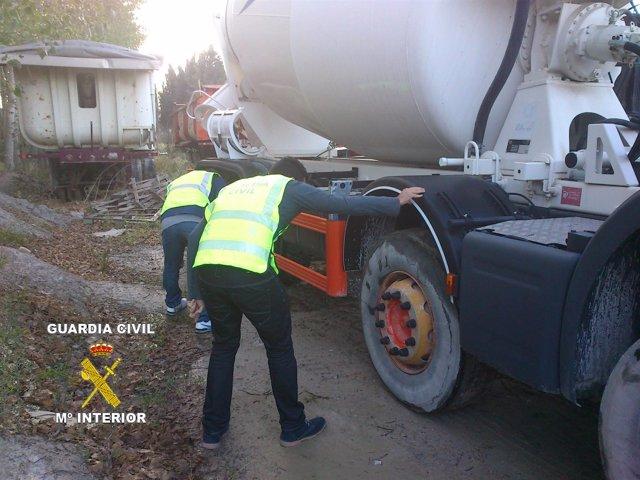 Vehículos recuperados en una operación de la Guardia Civil