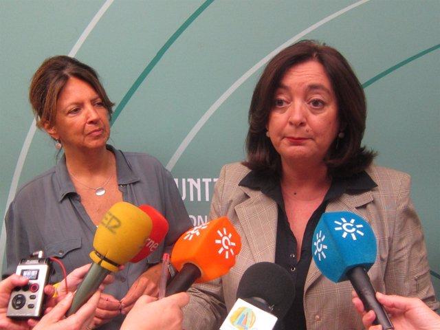 La consejera de Educación, Mar Moreno, a la derecha