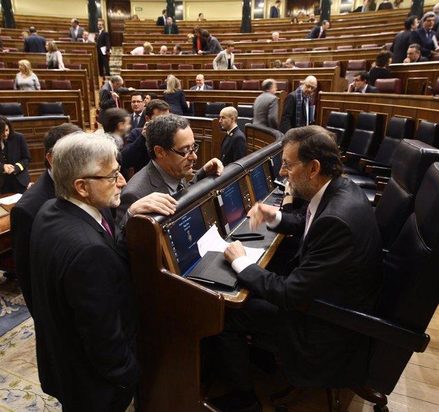 Mariano Rajoy, Con Los Diputados De Ciu Josep Sánchez Llibre Y Pere Macias