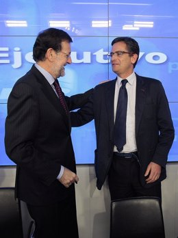 COMITE EJCECUTIVO NACIONAL, MARIANOR RAJOY SALUDA A ANTONIO BASAGOITI