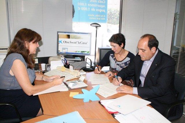 """Cruz Roja de Águilas y la Fundación """"La Caixa"""" firman convenio de colaboración"""