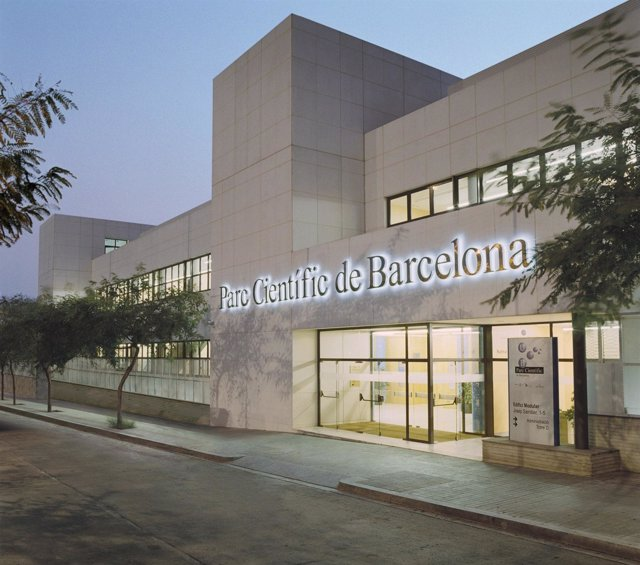 Fachada del Parque Científico de Barcelona