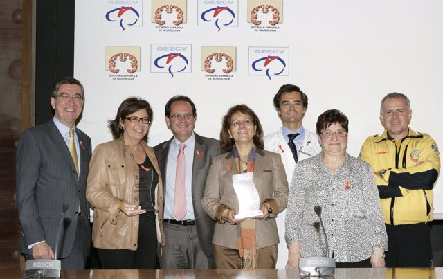 Foto de familia de los premiados por la SEN en el Día Mundia del Ictus
