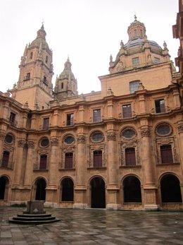 Claustro De La Universidad Pontificia De Salamanca