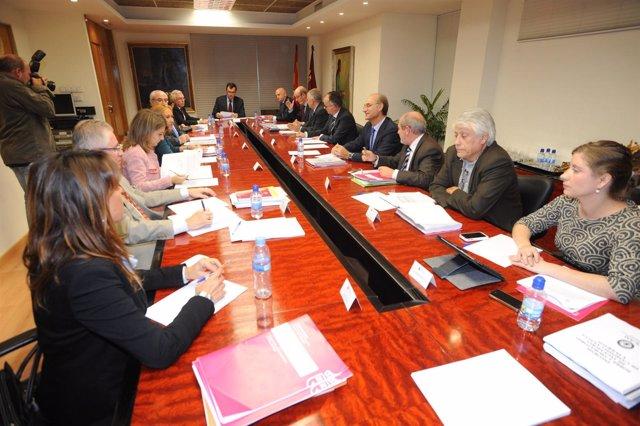 Ballesta preside la reunión del Consejo Interuniversitario