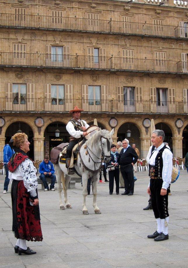 'El Mariquelo' Montado A Caballo En La Plaza Mayor De Salamanca