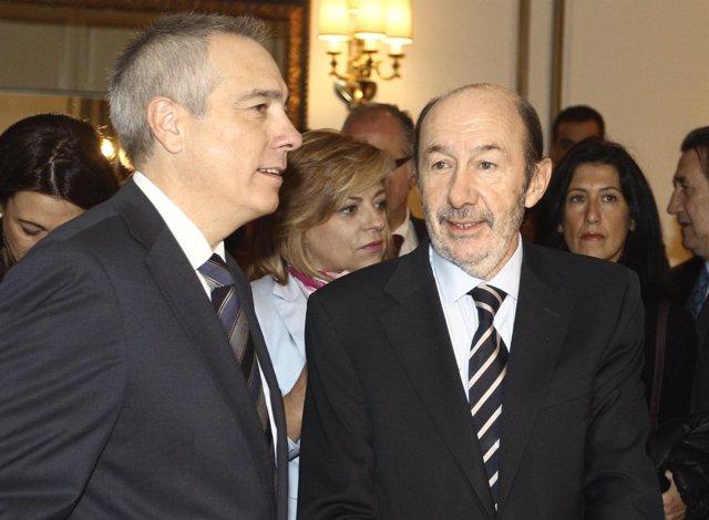 Pere Navarro y Rubalcaba en un desayuno