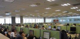 Orange inaugura un centro en Oviedo en el que internaliza su atención al cliente