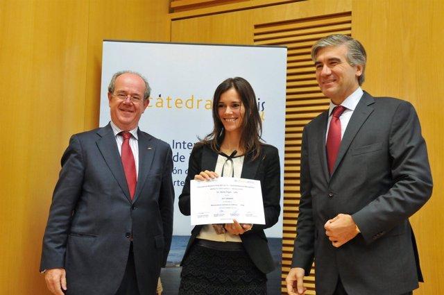 María Nogal recibe el premio nacional e internacional Albertis