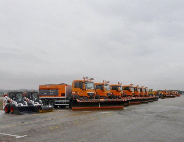 Máquinas quitanieves en Barajas