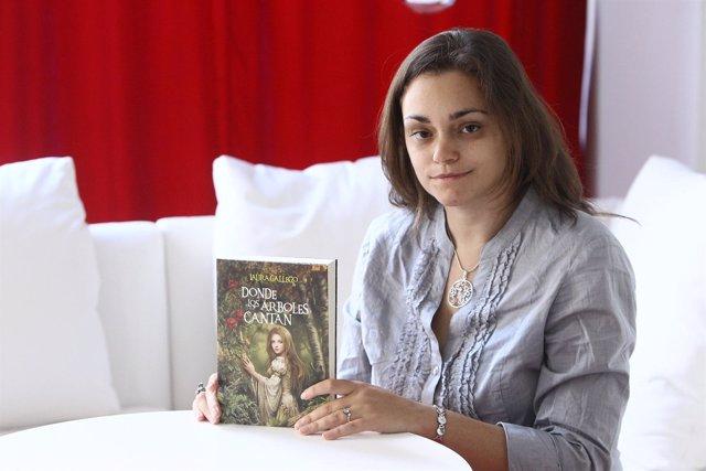 Laura Gallego Presenta 'Donde Los Árboles Cantan'