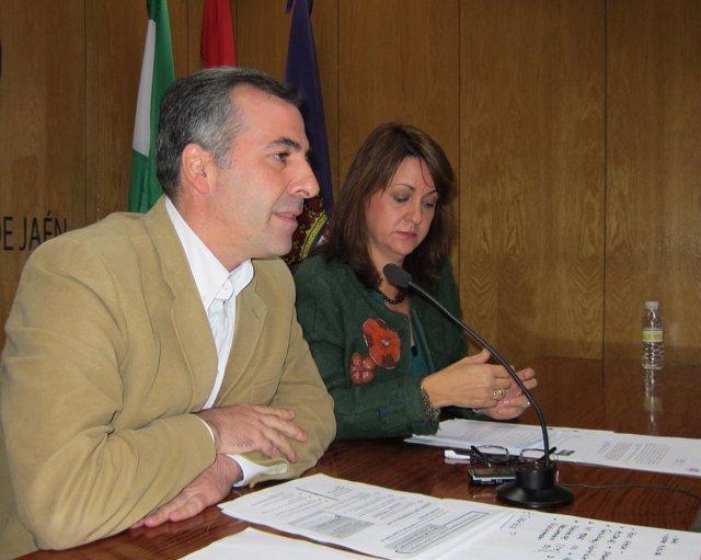 Shaw junto al concejal José Manuel Colmenero hoy