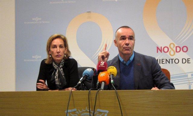 Los concejales Susana López y Antonio Muñoz