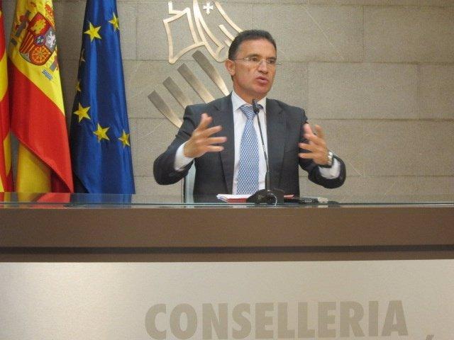 Castellano En Rueda De Prensa En La Conselleria De Gobernación
